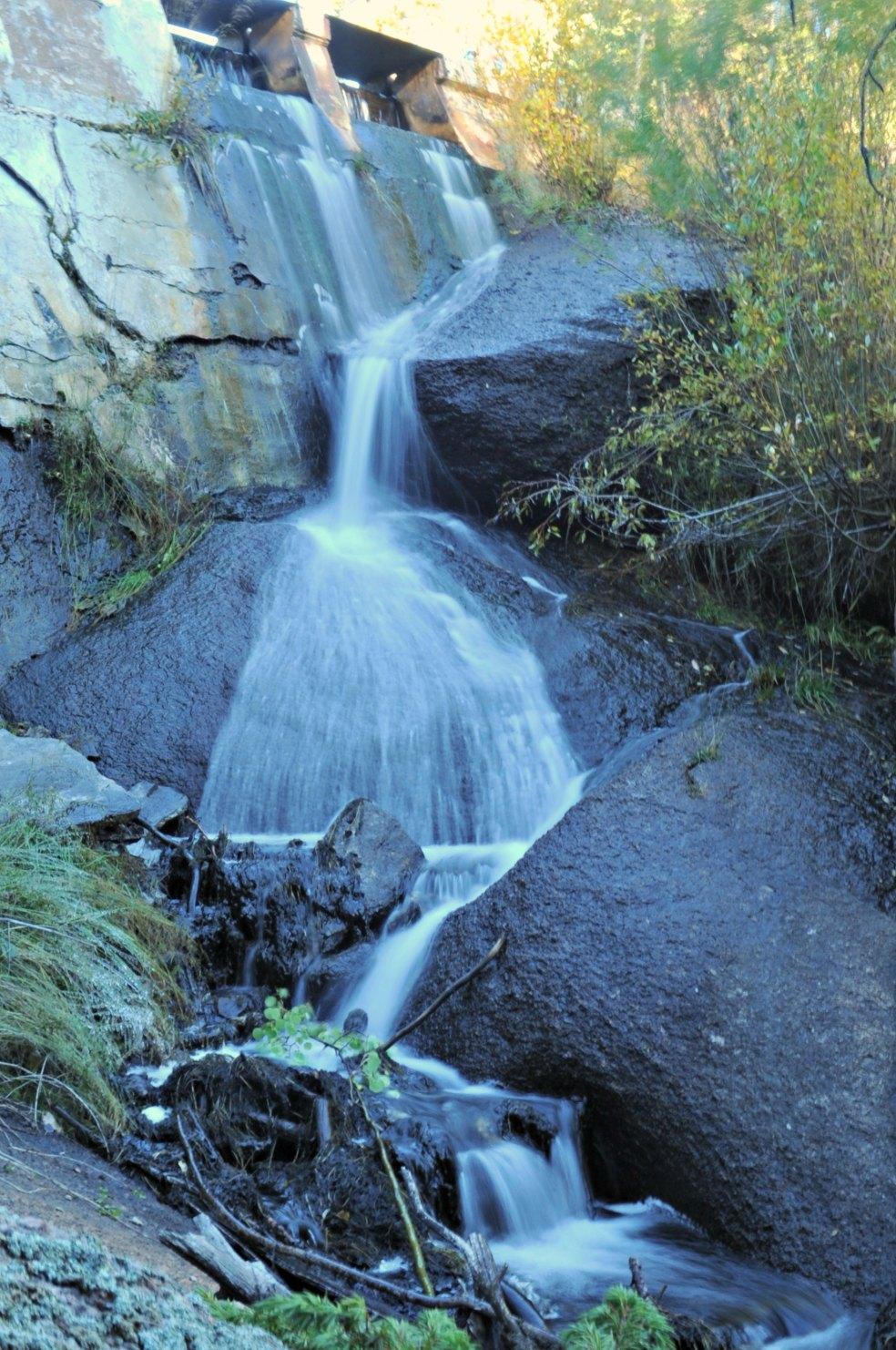 damwaterfall